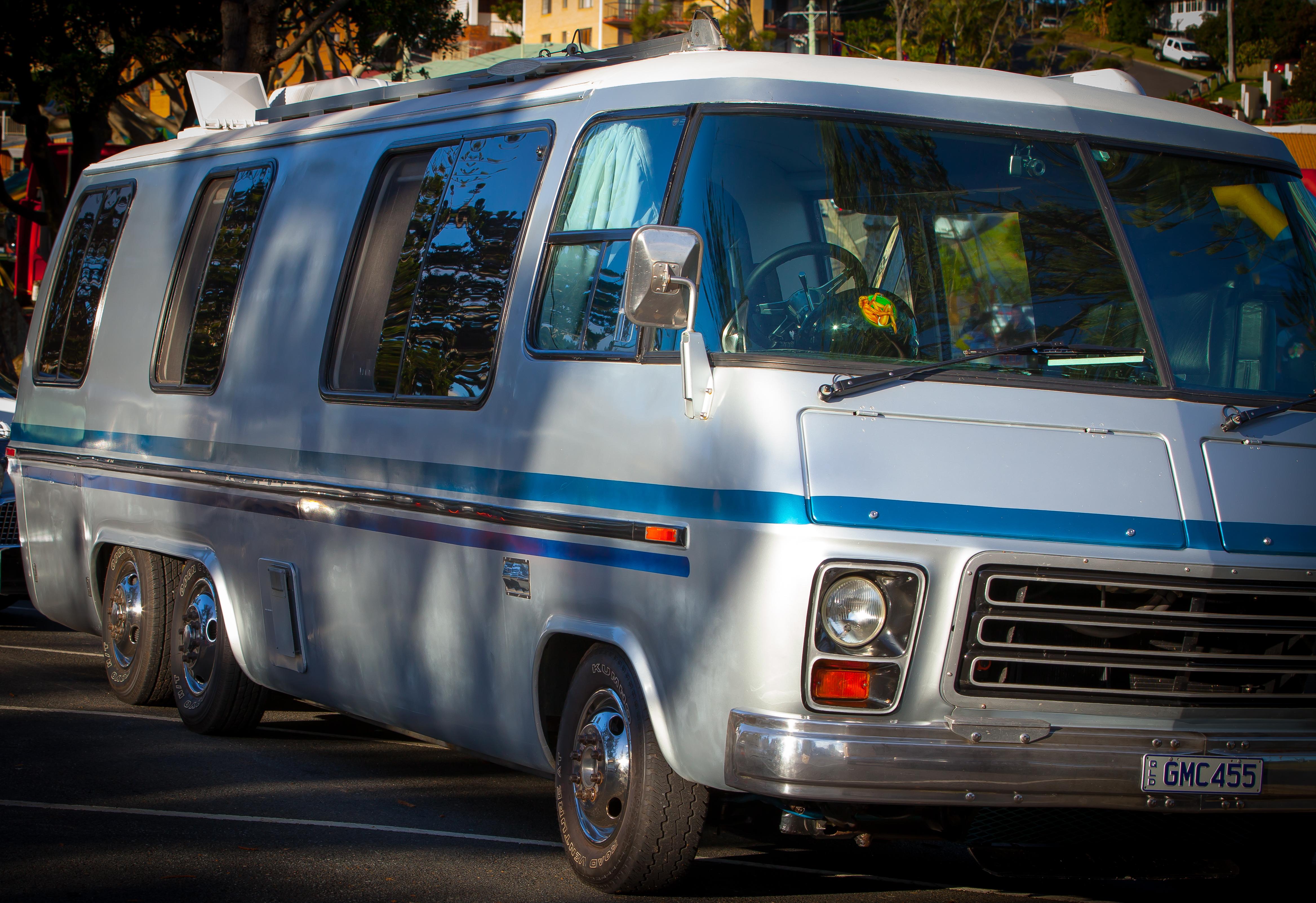 1978 GMC Royale Motorhome – Star Cars Agency
