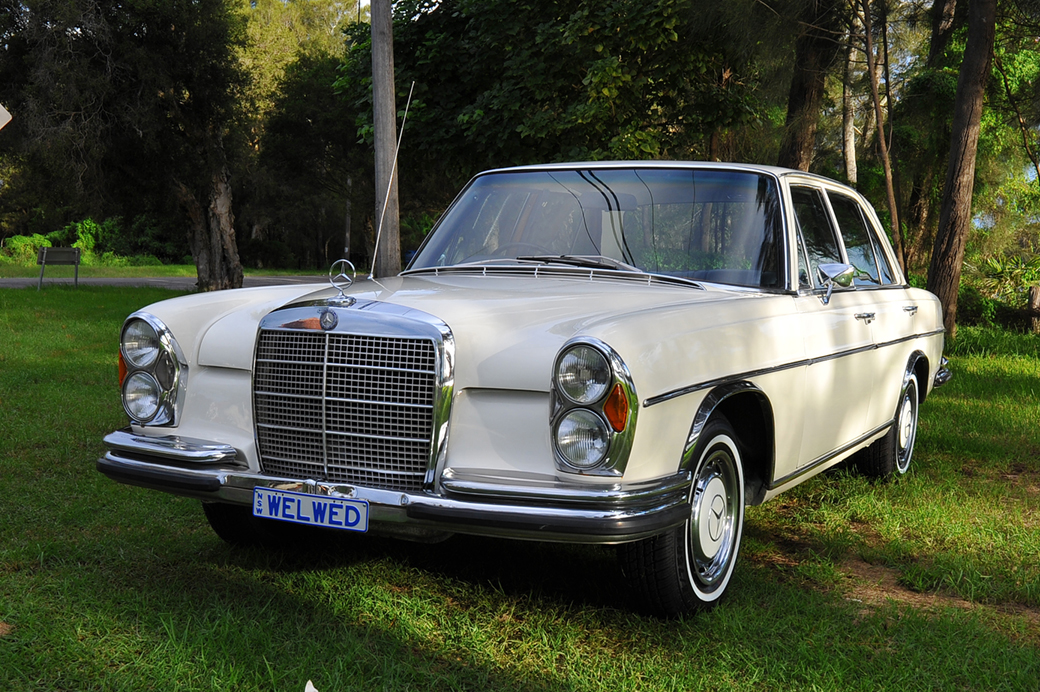 Classic mercedes benz 280se 1971 model star cars agency for Old mercedes benz models