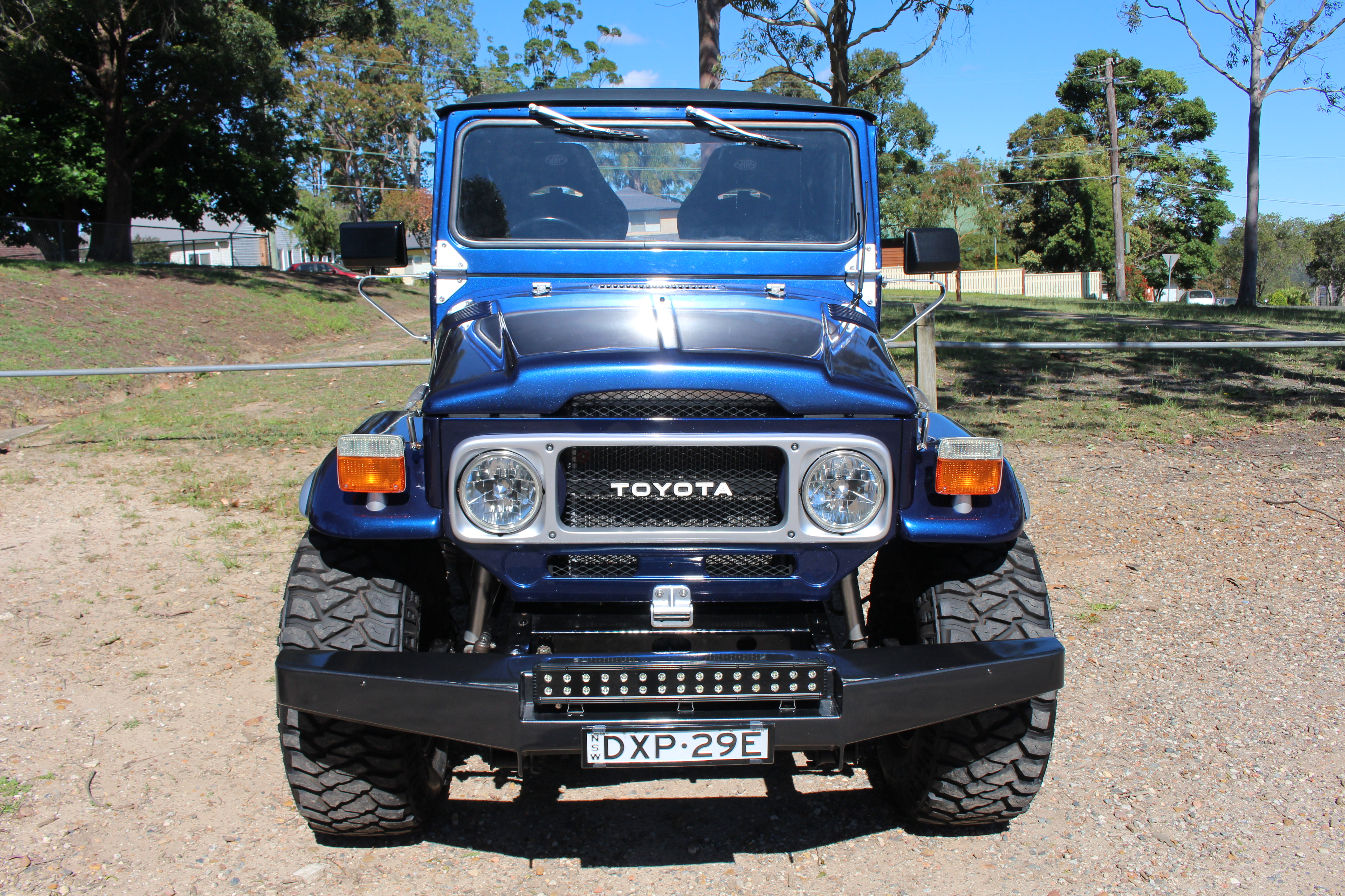 Toyota FJ40 Landcruiser – Star Cars Agency