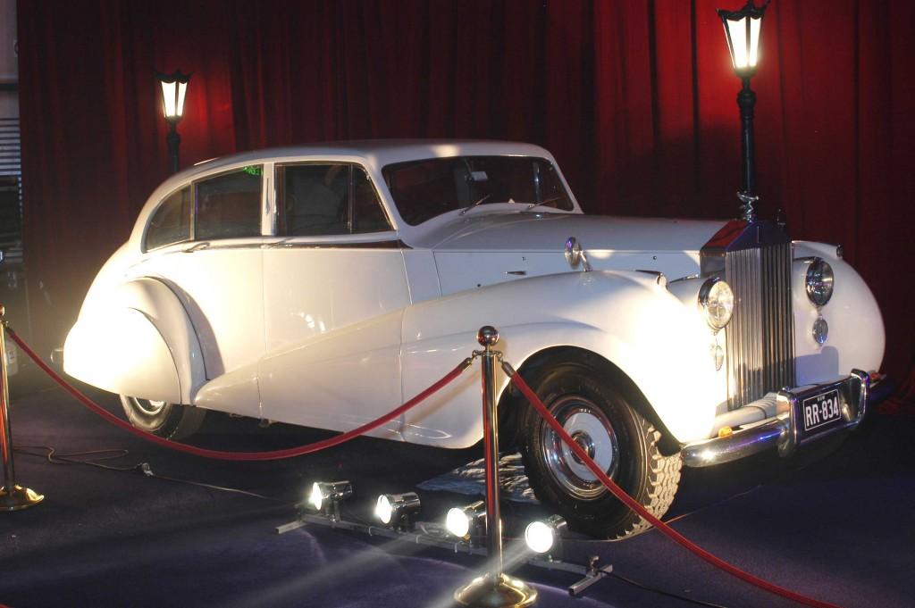 Vintage Rolls Royce Star Cars Agency