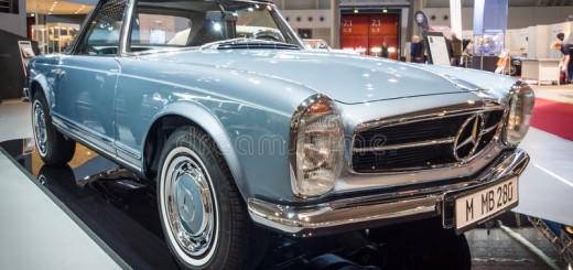 sports-car-mercedes-benz-sl-w-stuttgart-germany-march-europe-s-greatest-classic-exhibition-retro-classics-70811212